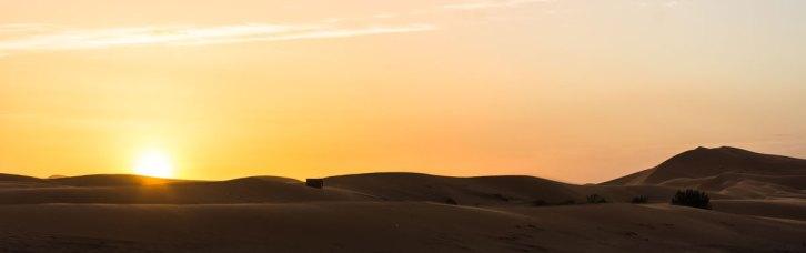 Levé de soleil sur les dunes