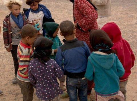 Enfants. Camp nomade