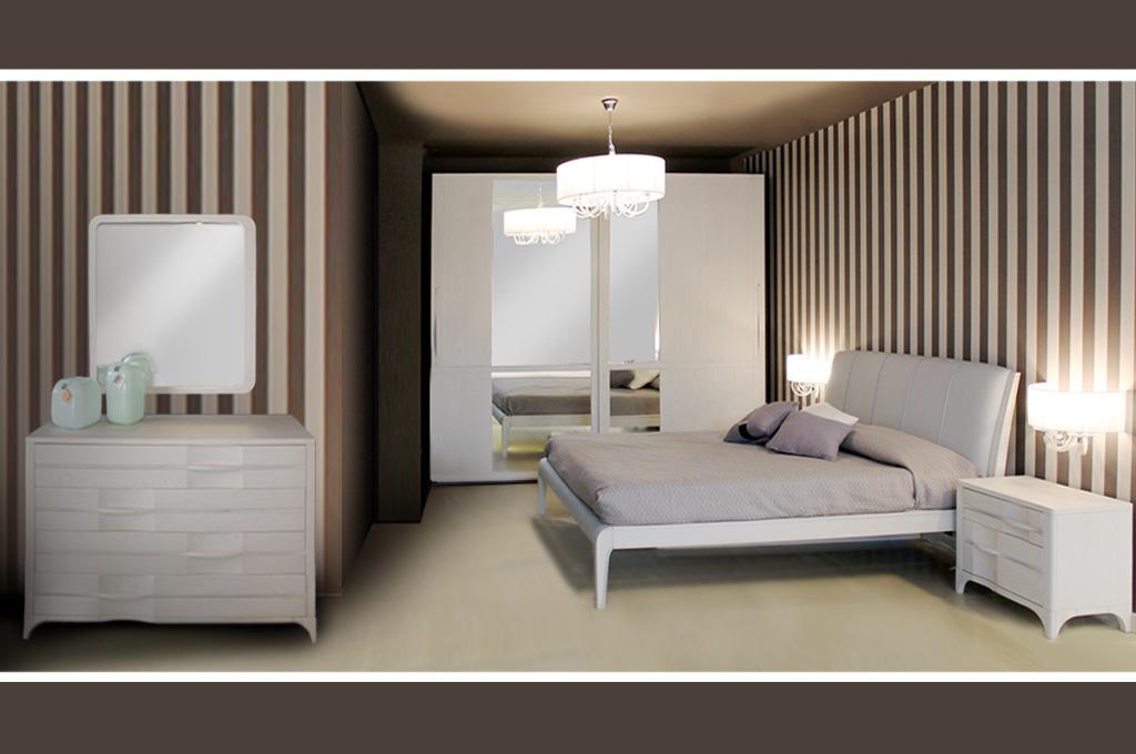 La tendenza per le camere da letto moderne, vede linee e forme regolari e sobrie, geometriche e pure, con un occhio al comfort e al benessere. Camera Da Letto Moderna Madison Larredo Trieste