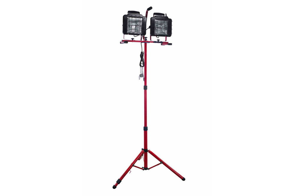 1500 Watt Work Light On Telescoping 8 Foot Tripod With