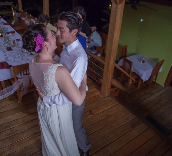 placencia-belize-beach-wedding-couple-6