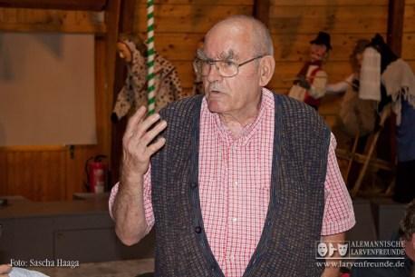 Der Rottweiler Fasnetkenner und Larvenfreund Karl Lambrecht berichtet in kurzen Worten über die bevorstehende Kulturfahrt 2012 in die alte Reichs- und Narrenstadt am Oberen Neckar
