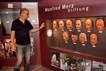 Eine der Hauptattraktionen der neuen Ausstellung ist zweifelsohne die Vitrine der Manfred- Merz- Stiftung mit Villinger Narroschemen aus vier Jahrhunderten