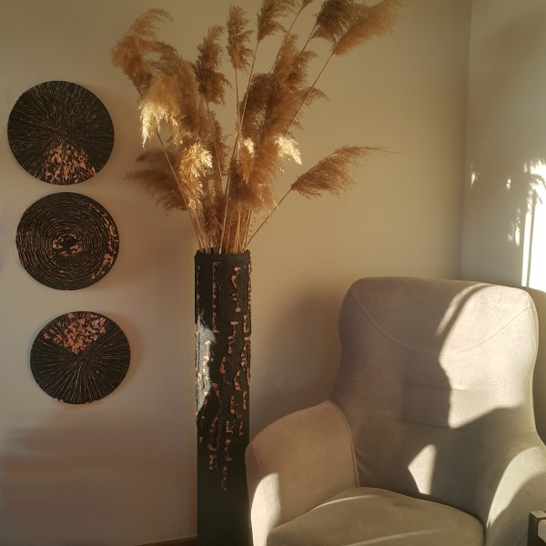 dekoratif uzun yer vazosu