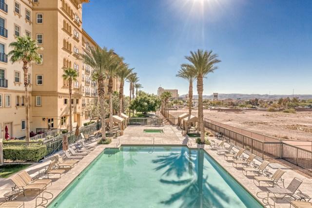 Boca-Raton-Las-Vegas-Condos-For-Sale-Pool