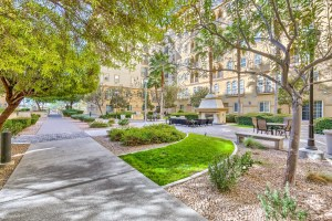 Boca-Raton-Las-Vegas-Condos-For-Sale-Walking-Path
