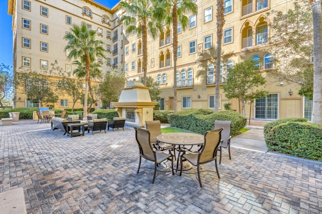 Boca-Raton-Condos-For-Sale-Common-Area-For-Residents