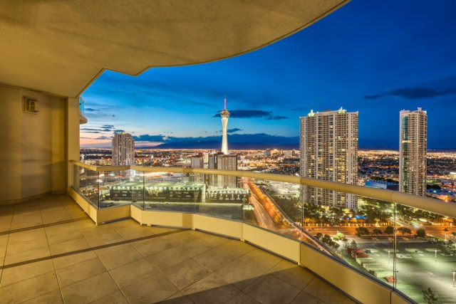 Turnberry-Towers-Terrace-from-Tower-4-28th-floor