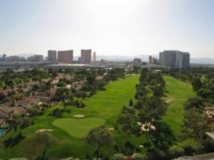 regency-towers-las-vegas-views