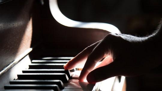 3 conseils simples si vous voulez apprendre à jouer du piano