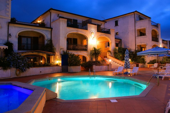 Apartamentos Las Casitas Del Blason