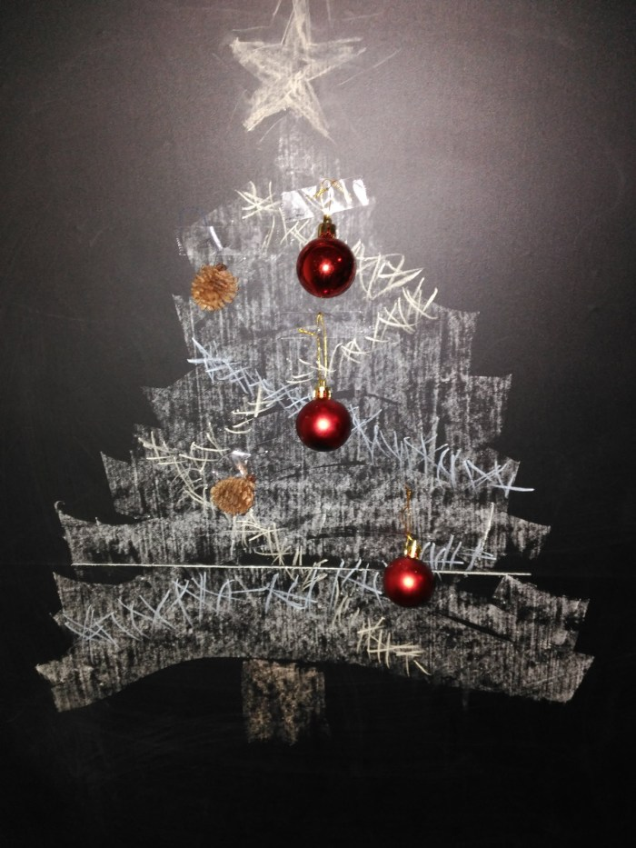Manualidades de Navidad - Improvisando un árbol de Navidad