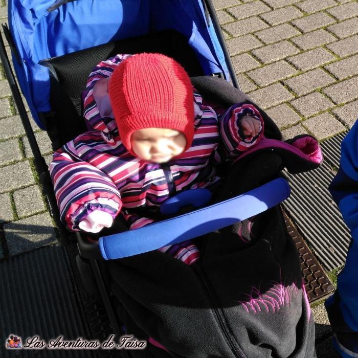 Como abrigar a un bebé para ir en carro en Alemania