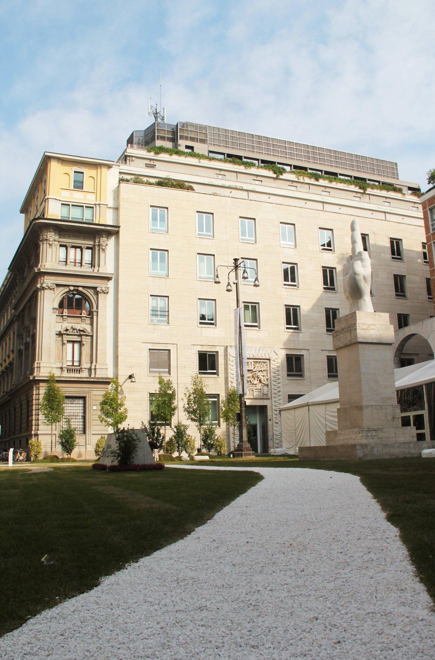 Temporary architecture, a Milano in Piazza Affari con Lascia la Scia