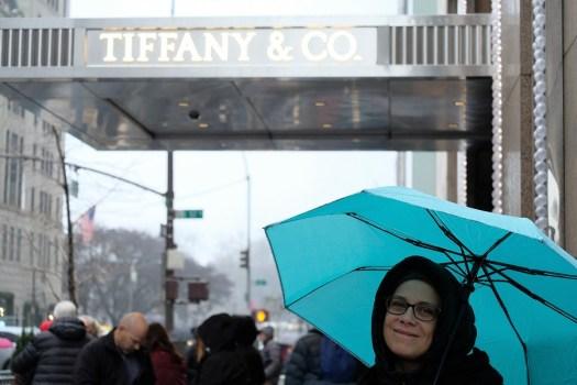 Tiffany & Co NYC in un giorno di pioggia