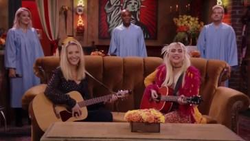 Friends: Lisa Kudrow canta Gatto Rognoso con Lady Gaga