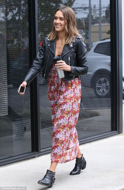 jessica-alba-in-saint-laurent-courtesy-of-fame-flynet