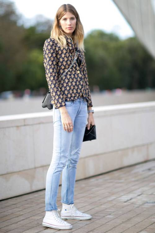 Con blazer y skinny jeans