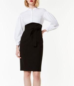 Este vestido camisero de tubo estilo corsé demuestra que ir formal puede ser divertido. Karen Millen