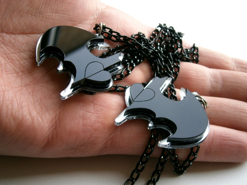 batman necklaces 1