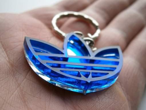 Adidas keychain blue transparent2