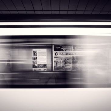 """Méditer dans les transports en commun : """"Entre les stations"""""""
