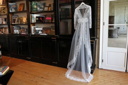 manteau-robe-de-mariee-Elsa-Gary-Collection-2018-la-soeur-de-la-mariee-blog-mariage
