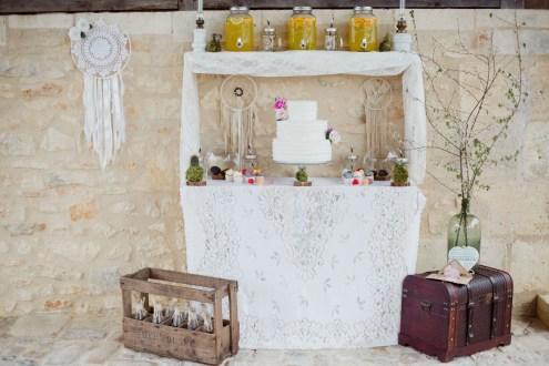 Décoration de mariage vintage et bohème