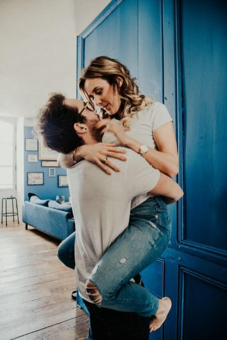 Étreinte d'un couple