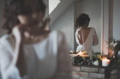 Robe de mariée dos nu manches longues