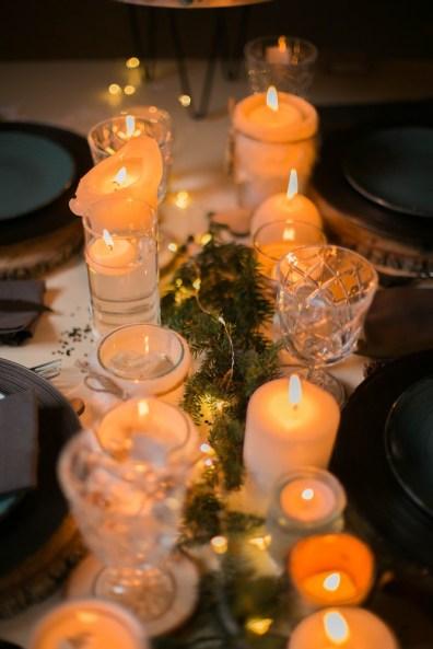 Table de mariage cocooning avec des bougies