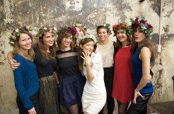 Idée pour un EVJF à Paris : l'atelier couronne de fleurs