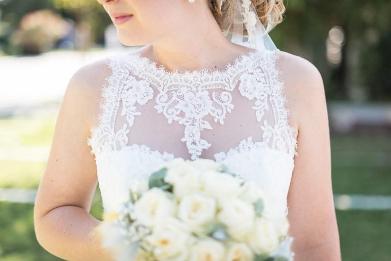 Robe de mariée avec décolleté en dentelle