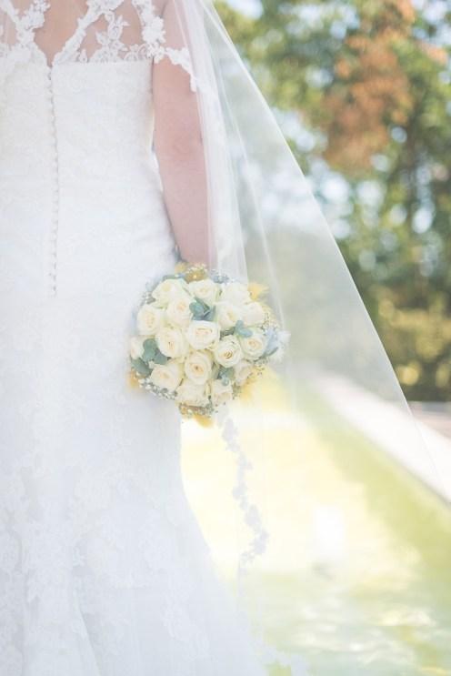 Bouquet de mariée avec blanc et jaune