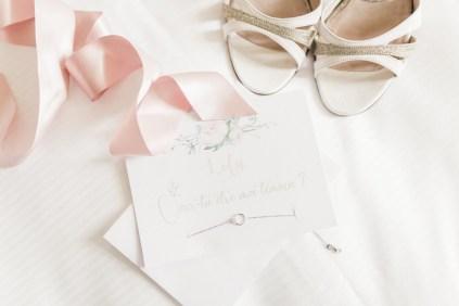les-preparatifs-de-la-mariee-et-demoiselles-dhonneur-la-soeur-de-la-mariee-blog-mariage
