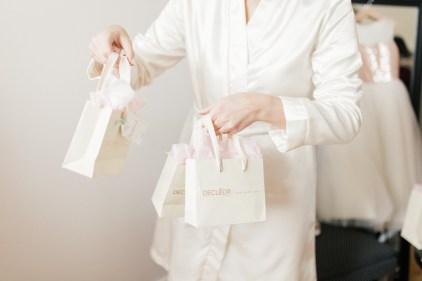 les-preparatifs-de-la-mariee-et-demoiselles-dhonneur-la-soeur-de-la-mariee-blog-mariage (15)