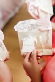 les-preparatifs-de-la-mariee-et-demoiselles-dhonneur-la-soeur-de-la-mariee-blog-mariage (18)