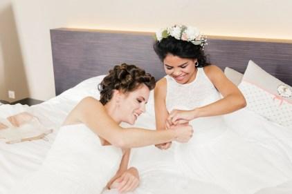 les-preparatifs-de-la-mariee-et-demoiselles-dhonneur-la-soeur-de-la-mariee-blog-mariage (22)