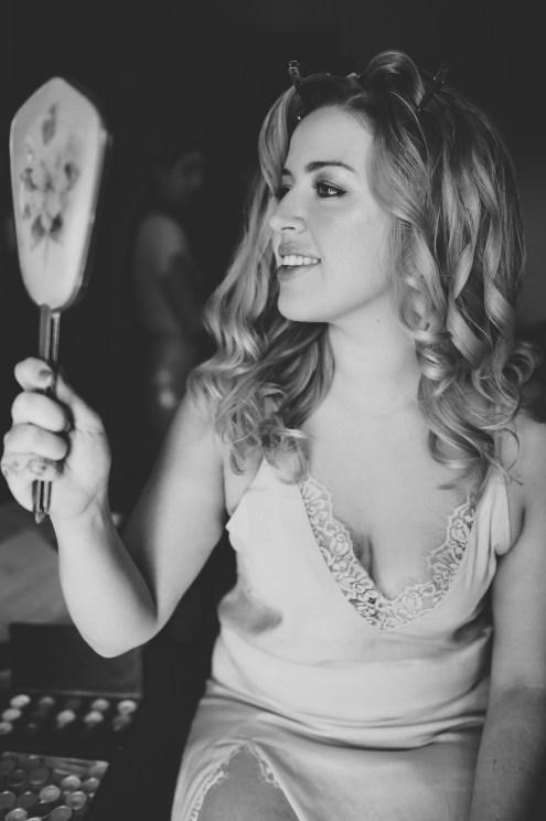 preparatifs-mariée-miroir-main