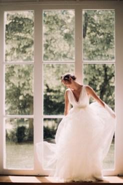 Happy-devant-robe-de-mariee-atelier-swan-collection-2019-lasoeurdelamariee