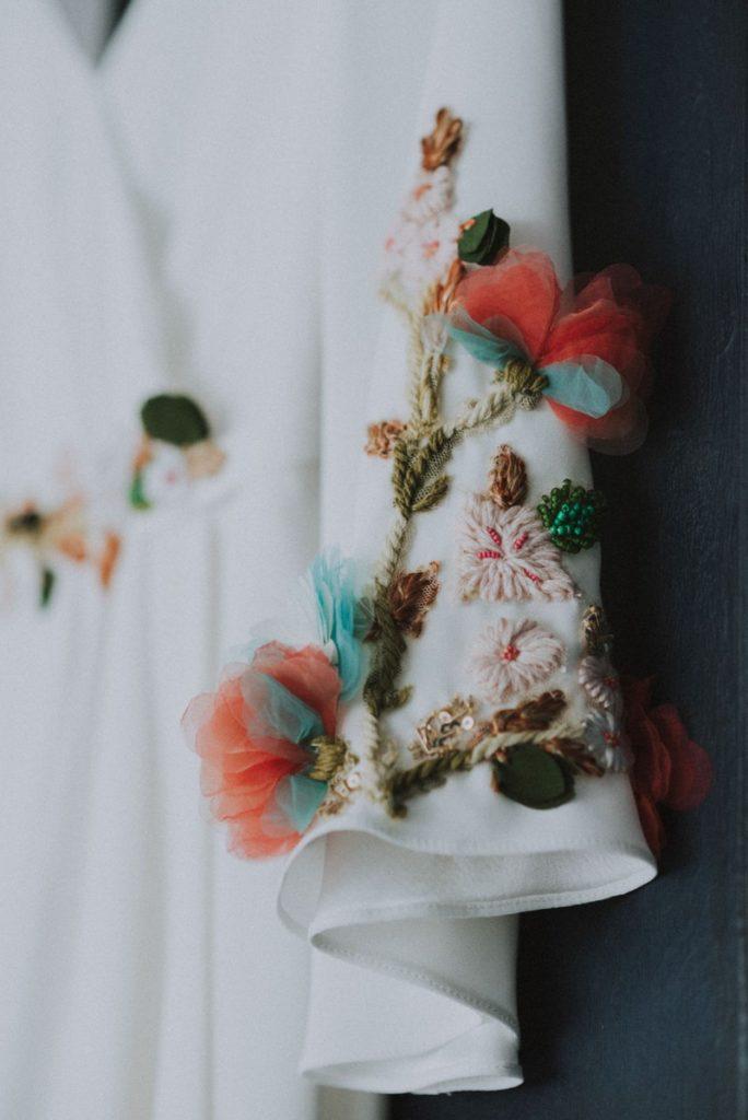 robe-de-mariee-fleurs-colorées