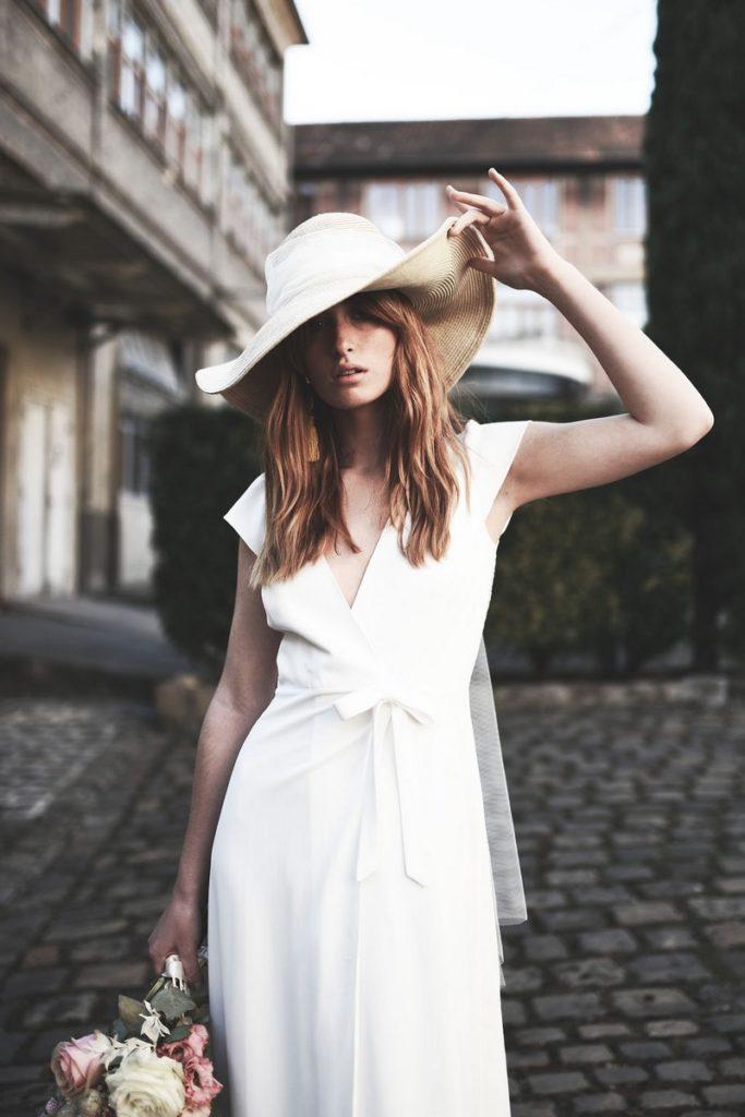 robe-de-mariee-chapeau-stephanie-wolff-la-javanaise
