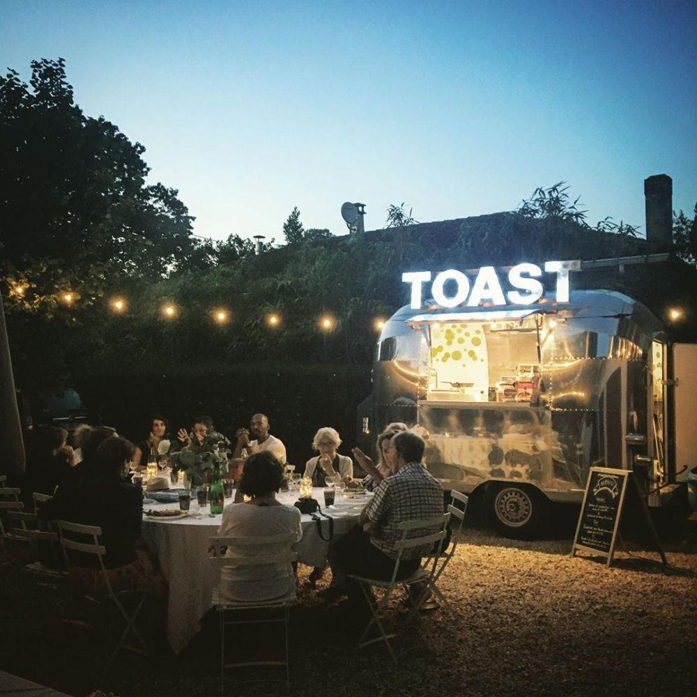 food-truck-mariage-toast-foodtruckfrance