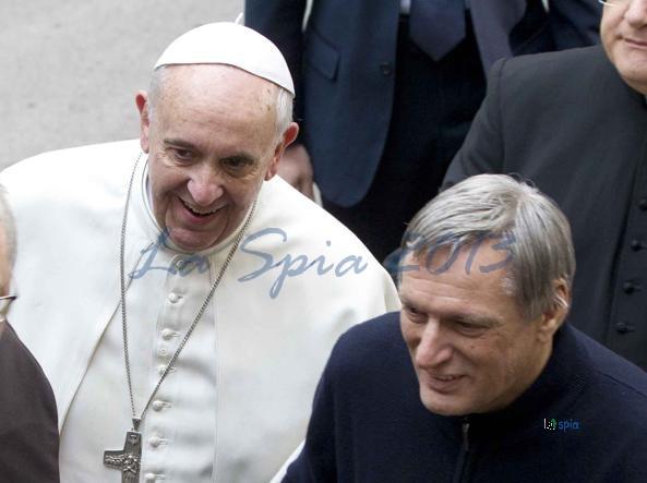 Il Papa scomunica corrotti e mafiosi