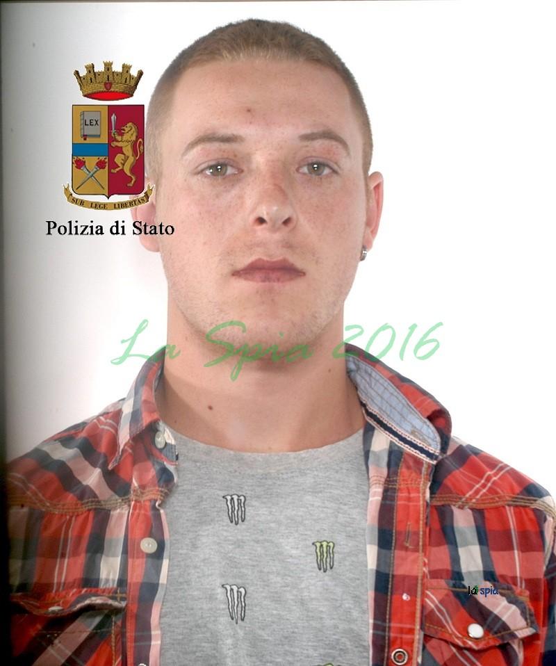 Rubano in un supermercato di Modica, la polizia li arresta