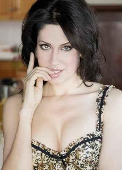 Gia Bay Actress  Making Waves in LA  Splash Magazines