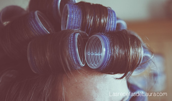 ¿es malo dormir con el cabello mojado?