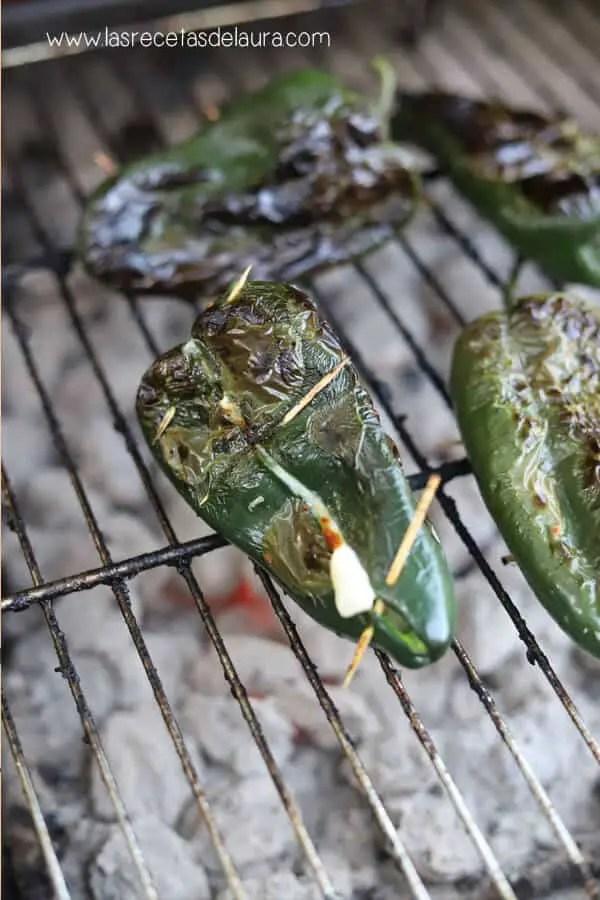 Chiles rellenos asados