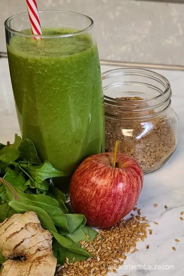 Jugo verde con manzana