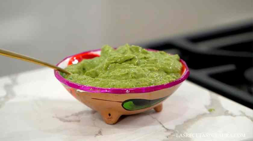 Mexican avocado salsa